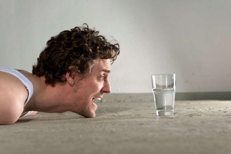 Minum Air Putih Lebih Banyak Setiap Hari