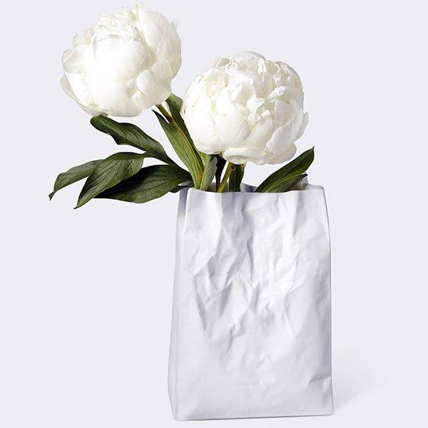 vas bunga dari barang bekas