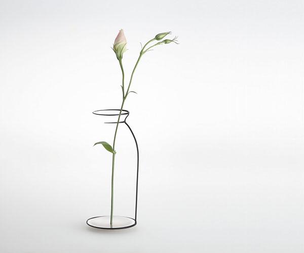 vas bunga dari botol