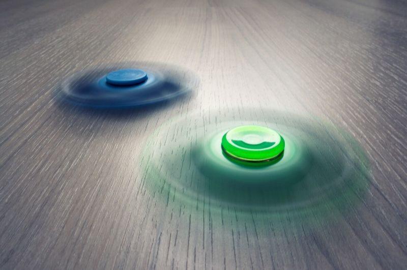 Gambar Fidget Spinner yang berputar cepat dan lama