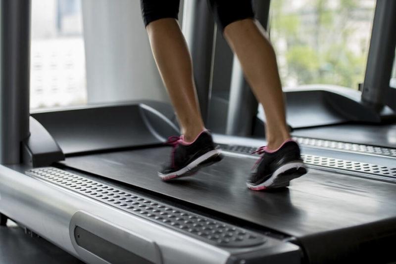 Cara Menurunkan Berat Badan dengan Treadmill dan Lari