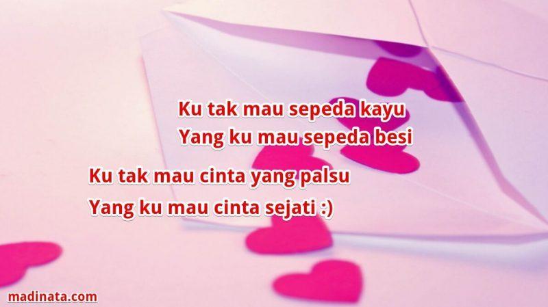 √1001 Pantun Cinta Romantis, Lucu, Gombal, Nasehat, & Jenaka