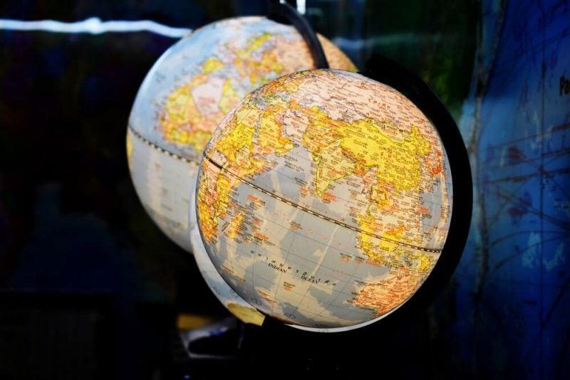 Pengertian globalisasi menurut para ahli, ciri ciri, dampak, serta contoh